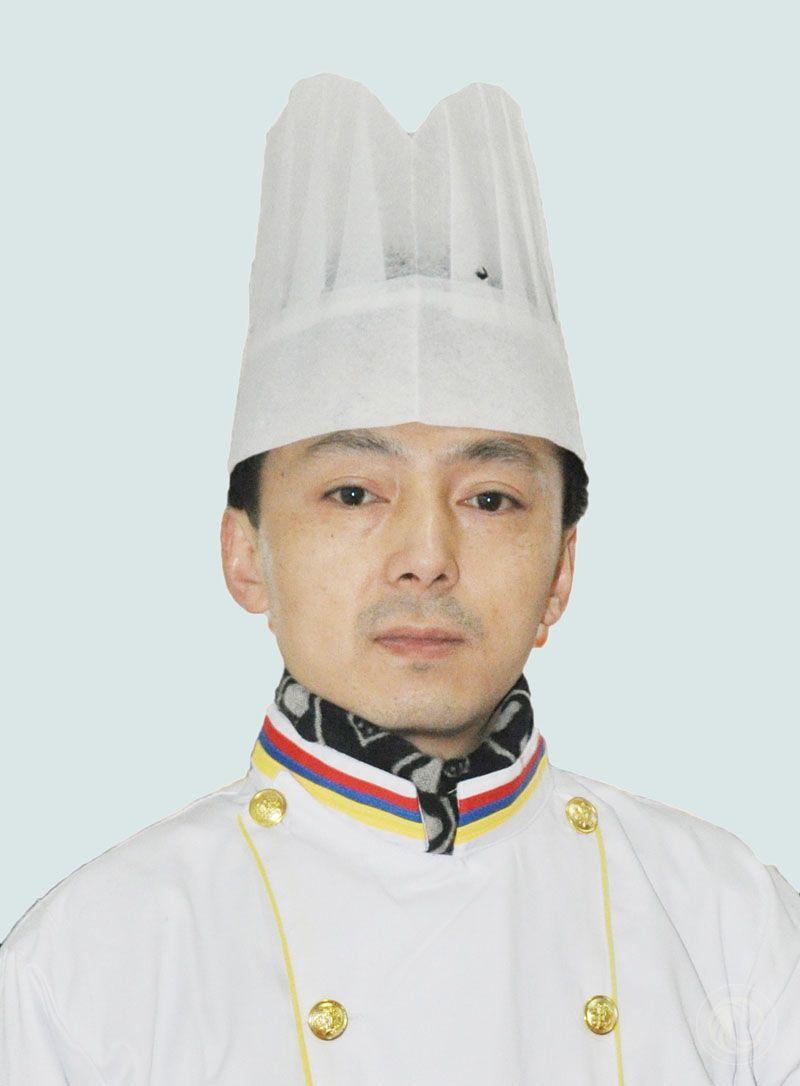 高级西餐老师:邹春