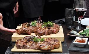 西餐师一般月薪多少钱 毕业学校不同工资也不同